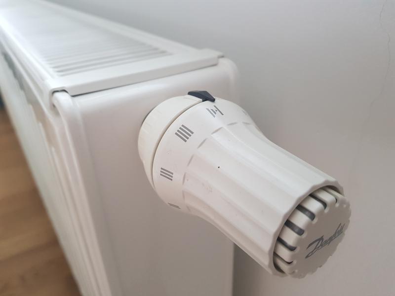 Menjava radiatorskih ventilov (tudi z zamrznitvijo cevi) pri polnem sistemu